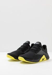 Reebok - FLASHFILM TRAIN - Obuwie treningowe - black/white/hero yellow - 2