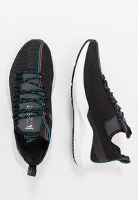 Reebok - SOLE FURY - Obuwie do biegania treningowe - black/sea teal/legend active red - 1