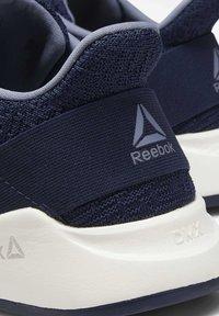 Reebok - EVER ROAD DMX 2.0 SHOES - Matalavartiset tennarit - blue - 9