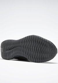 Reebok - REEBOK FLEXAGON ENERGY TR 2.0 SHOES - Scarpe da fitness - gray - 5