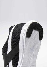 Reebok - REEBOK REAGO ESSENTIALS 2.0 SHOES - Sportschoenen - black - 5