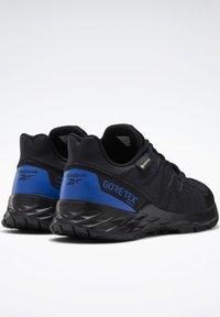Reebok - ASTRORIDE TRAIL GTX 2.0 SHOES - Chaussures de marche - black - 3