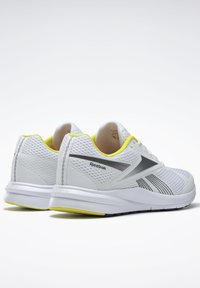 Reebok - ENDLESS ROAD 2.0 - Chaussures de running stables - white - 3