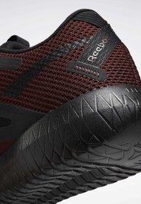 Reebok - Chaussures d'entraînement et de fitness - burgundy - 8