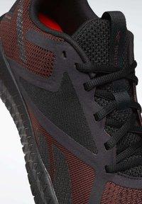 Reebok - Chaussures d'entraînement et de fitness - burgundy - 6