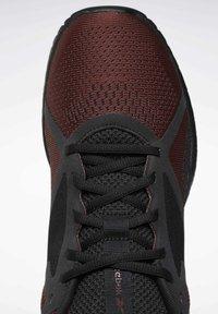 Reebok - Chaussures d'entraînement et de fitness - burgundy - 7
