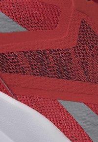 Reebok - RUNNER 4.0 SHOES - Chaussures de running neutres - radiant red - 9