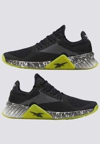 Reebok - FLASHFILM TRAINER SHOES - Zapatillas de running neutras - black - 1