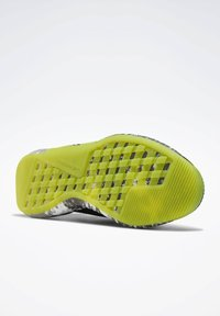 Reebok - FLASHFILM TRAINER SHOES - Zapatillas de running neutras - black - 4