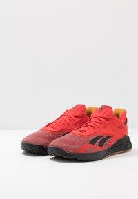 Reebok - NANO X - Sportschoenen - instinct red/black/white - 2
