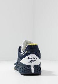 Reebok - NANO X - Sportschoenen - vector navy/white/chartreuse - 3