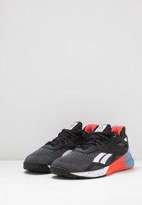Reebok - NANO X - Sportschoenen - black/white/vivid orange - 2