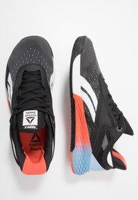 Reebok - NANO X - Sportschoenen - black/white/vivid orange - 1