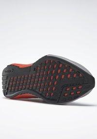 Reebok - REEBOK FLASHFILM 2.0 SHOES - Sneakersy niskie - grey - 4