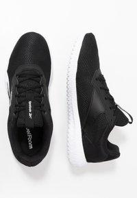 Reebok - FLEXAGON ENERGY TR 2 - Chaussures d'entraînement et de fitness - black/white - 1