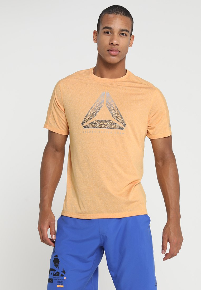 Reebok - REFLECT MOVE TEE - T-shirt con stampa - gold