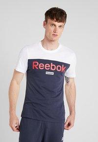Reebok - TRAINING ESSENTIALS LINEAR LOGO - Koszulka sportowa - white - 0