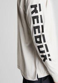 Reebok - TEE - Långärmad tröja - stone - 4