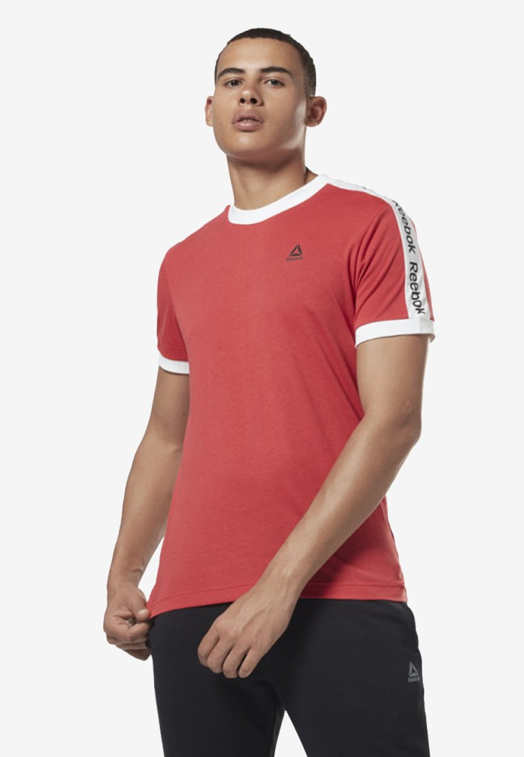 Reebok - TRAINING ESSENTIALS LINEAR LOGO TEE - T-shirt med print - rebel red