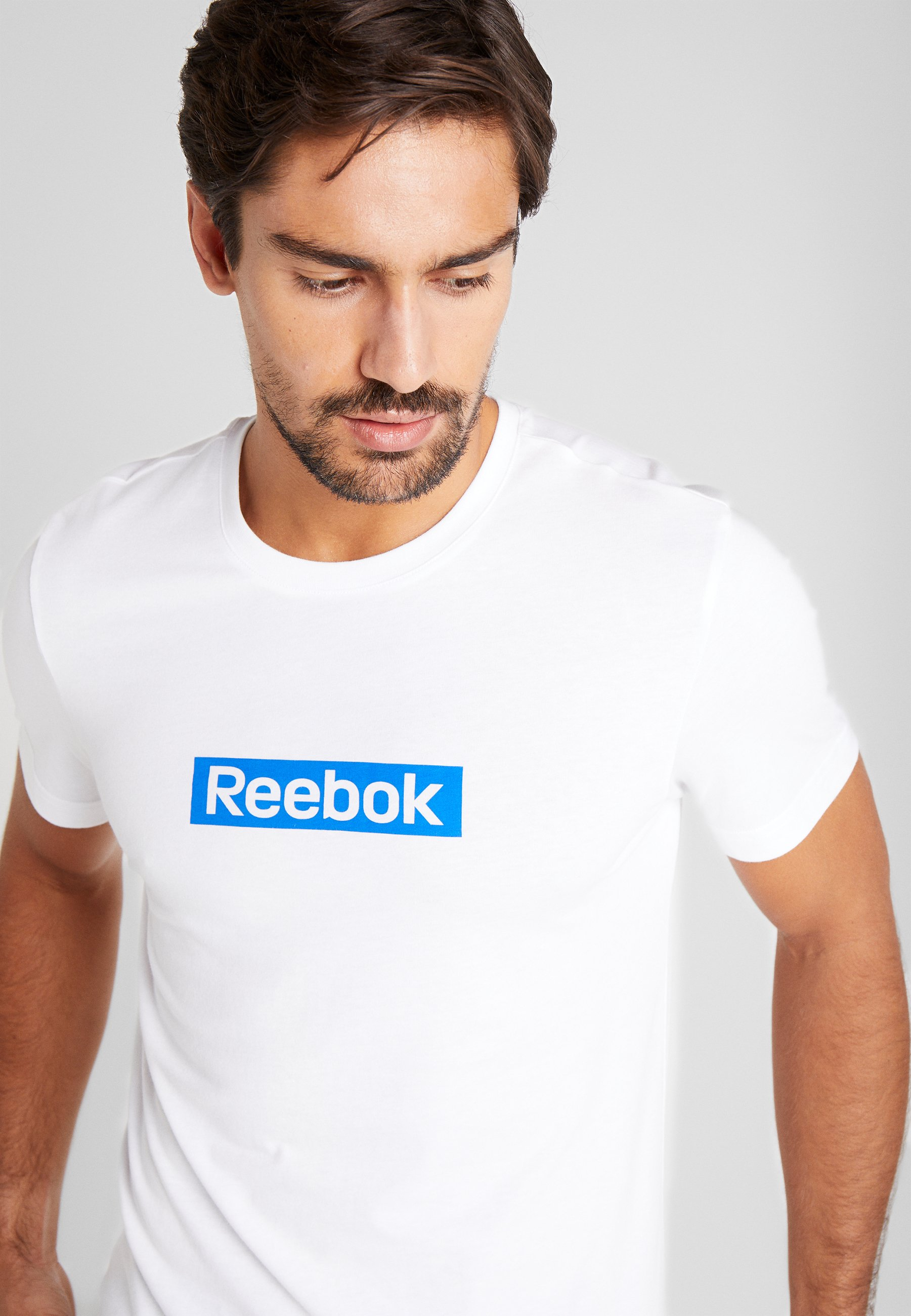 Reebok LINEAR LOGO TEE - T-shirt z nadrukiem - white