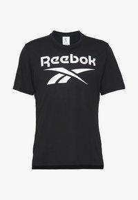 Reebok - SPEEDWICK SPORT SHORT SLEEVE GRAPHIC TEE - T-shirt imprimé - black - 4