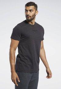 Reebok - TRAINING ESSENTIALS TEE - T-shirt basic - black - 0