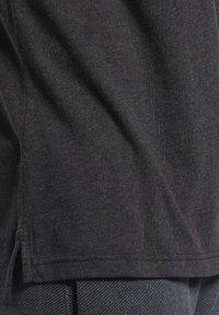 Reebok - TRAINING ESSENTIALS TEE - T-shirt basic - black - 5