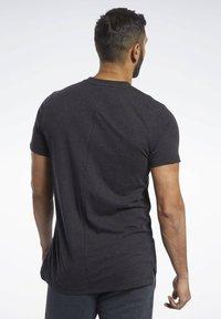 Reebok - TRAINING ESSENTIALS TEE - T-shirt basic - black - 2