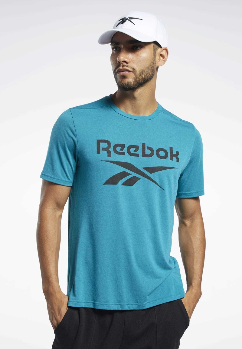 Reebok - WORKOUT READY SUPREMIUM GRAPHIC TEE - Print T-shirt - seaport teal