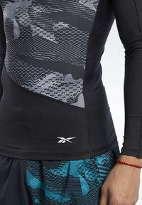 Reebok - GRAPHIC COMPRESSION TEE - Long sleeved top - black - 4