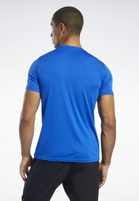 Reebok - WORKOUT READY TEE - T-shirt imprimé - humble blue - 2