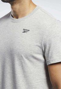 Reebok - TRAINING ESSENTIALS CLASSIC TEE - Basic T-shirt - grey - 3