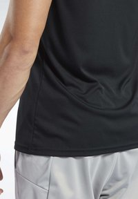 Reebok - WORKOUT READY TEE - T-Shirt print - black - 3