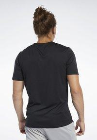 Reebok - WORKOUT READY TEE - T-Shirt print - black - 2