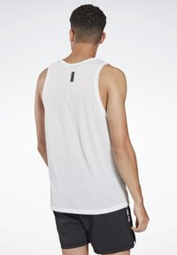 Reebok - LES MILLS® BODYPUMP® GRAPHIC TANK TOP - Top - white - 2