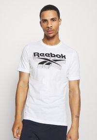 Reebok - TEE - T-shirt imprimé - white - 0