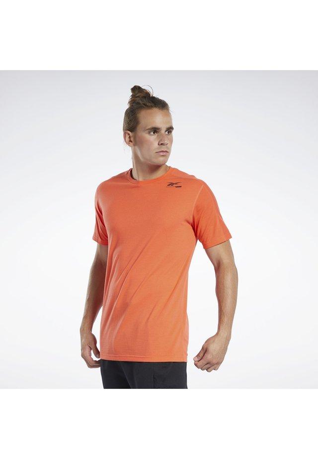 SPEEDWICK MOVE TEE - T-shirt print - orange