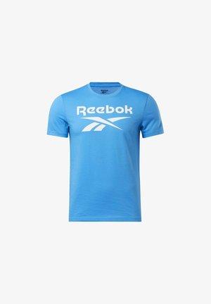 GRAPHIC SERIES REEBOK STACKED TEE - T-shirt print - blue