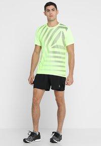 Reebok - SHORT - Pantalón corto de deporte - black - 1