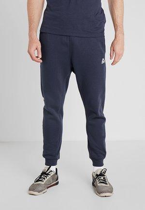 TRAINING ESSENTIALS LOGO  - Pantalon de survêtement - dark blue