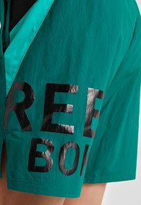 Reebok - ONE SERIES TRAINING SHORTS - Pantaloncini sportivi - green - 5