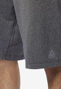 Reebok - WOR KNIT PERFORMANCE SHORTS - Shorts - black - 5