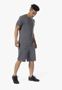 Reebok - WOR KNIT PERFORMANCE SHORTS - Shorts - black - 0