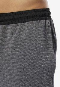 Reebok - WOR KNIT PERFORMANCE SHORTS - Shorts - black - 3