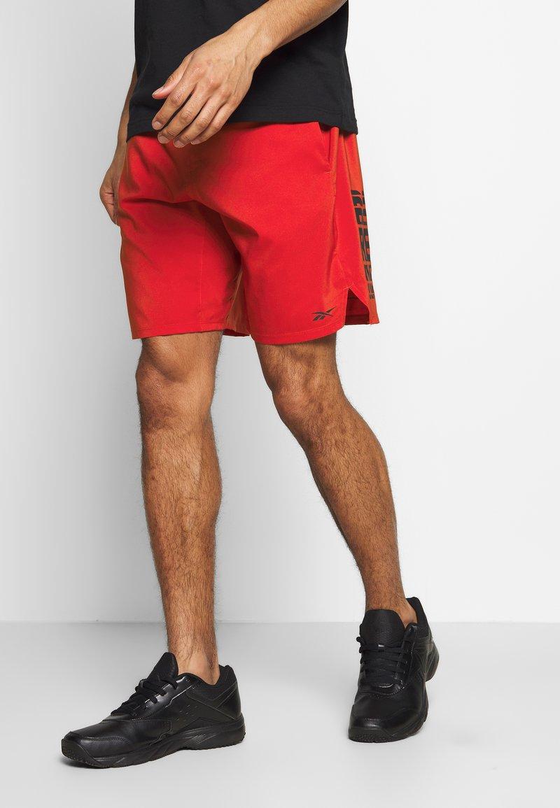 Reebok - EPIC SHORT - Pantalón corto de deporte - red