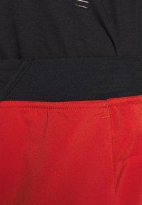 Reebok - EPIC SHORT - Pantalón corto de deporte - red - 3