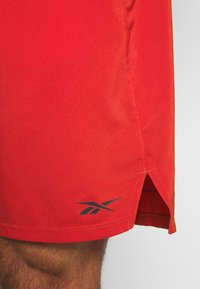 Reebok - EPIC SHORT - Pantalón corto de deporte - red - 5