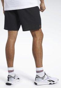 Reebok - EPIC SHORTS - Shorts - black - 1