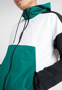 Reebok - TRAINING JACKET - Giacca sportiva - green - 6