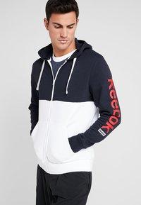 Reebok - HOODIE - veste en sweat zippée - dark blue - 0
